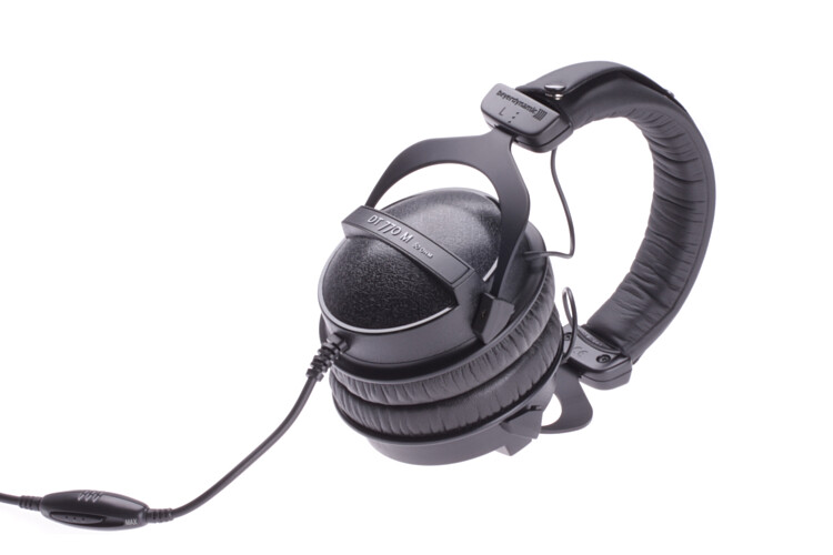 beyerdynamic dt770 m studio headphones dt 770. Black Bedroom Furniture Sets. Home Design Ideas